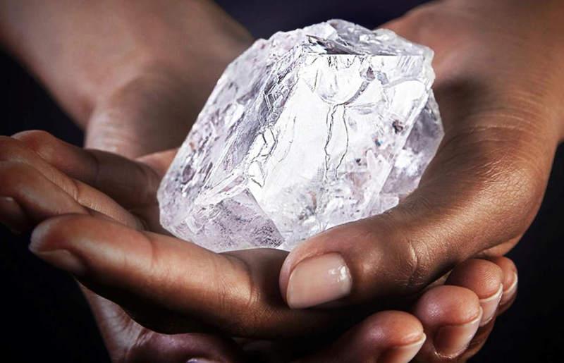 A verdade pode ser comparada a uma pedra preciosa