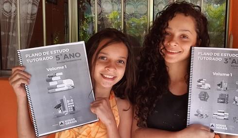 Governo entrega Planos de Estudos Tutorados em casas de alunos sem acesso virtual