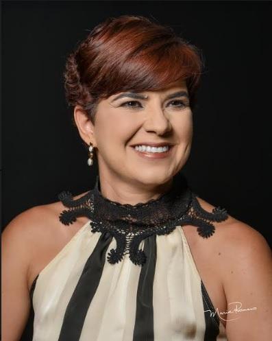 Dra. Mônica Roberta da Silva Giacometto , especialista em ginecologia e obstetrícia
