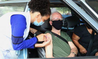 Por falta de vacina contra Covid-19, Uberaba interrompe aplicação da 1ª dose em idosos de 80 a 84 anos